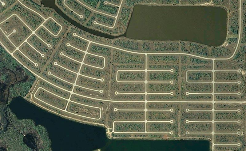 aerial patterns of human housing developments on google maps 7 Patterns of Human Development Found on Google Maps