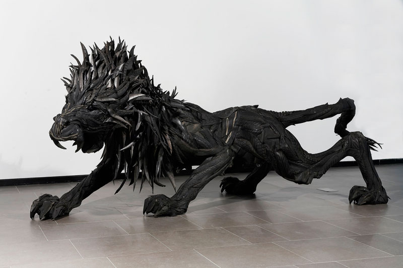 animals made from tires by yong ho ji 15 Animal Sculptures Made from Old Tires