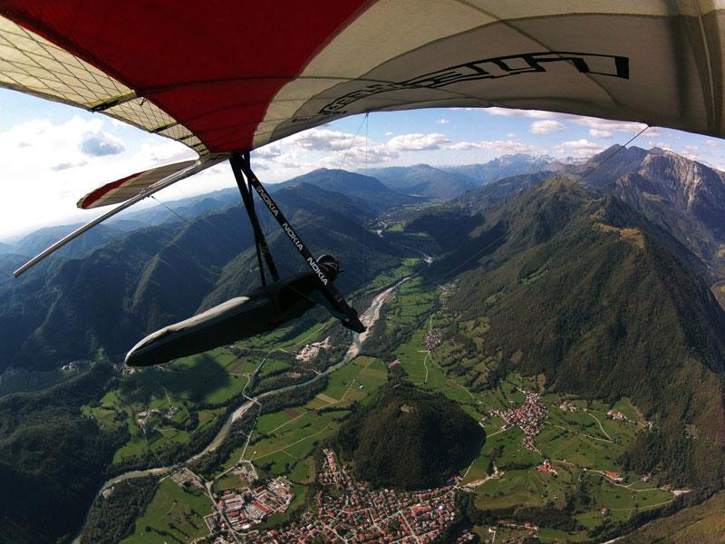 hang gliding over soca valley sloevenia Picture of the Day: Hang Gliding Over Soca Valley, Slovenia