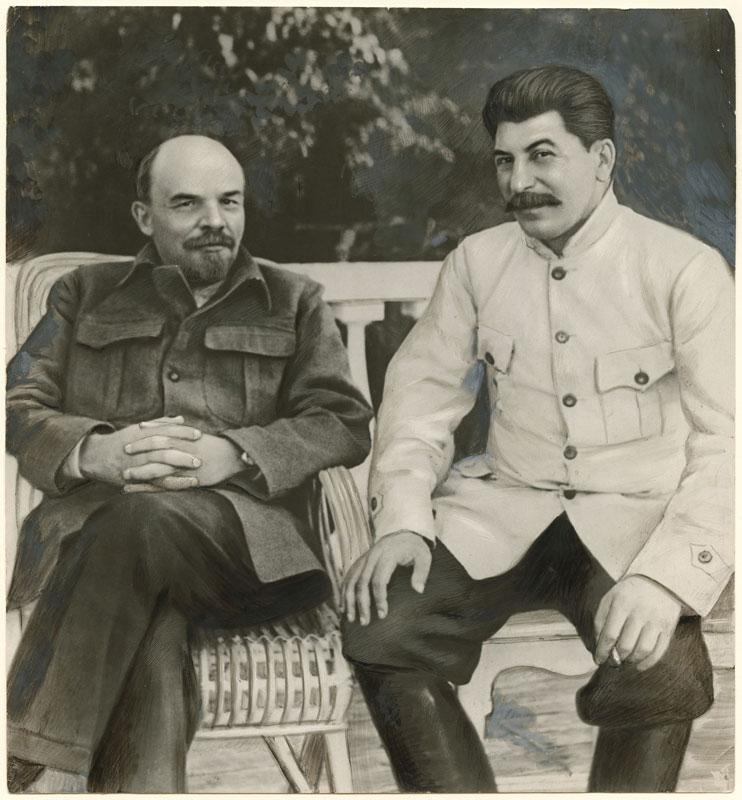 photo manipulation before digital age lenin stalin 15 Photo Manipulations Before the Digital Age