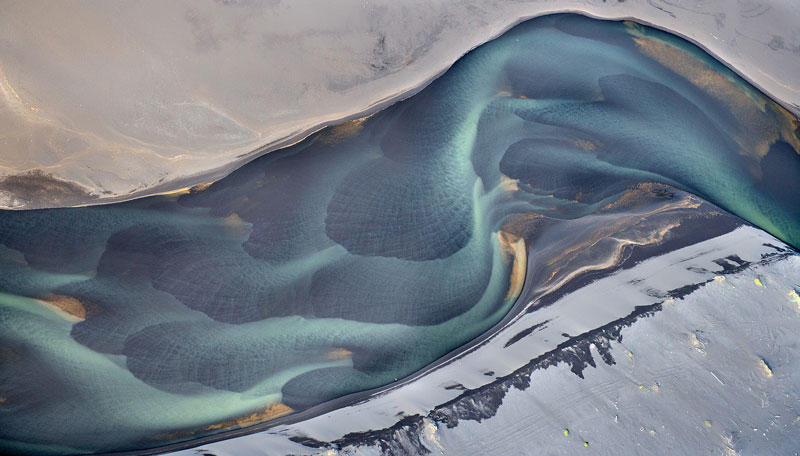 aerial photos of iceland look like abstract landscape paintings andre emolaev 12 Aerial Photos of Iceland That Look Like Abstract Paintings