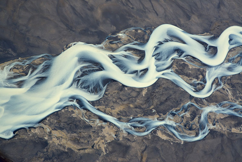 aerial photos of iceland look like abstract landscape paintings andre emolaev 9 Aerial Photos of Iceland That Look Like Abstract Paintings
