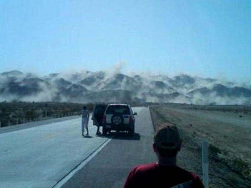 baja california earthquake mountain dust Picture of the Day: Earthquake Mountain Dust