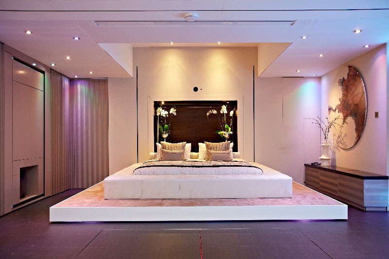 elevvator bed yo home simon woodroffe 1 Elevator Bed Rises to Reveal Sunken Living Room