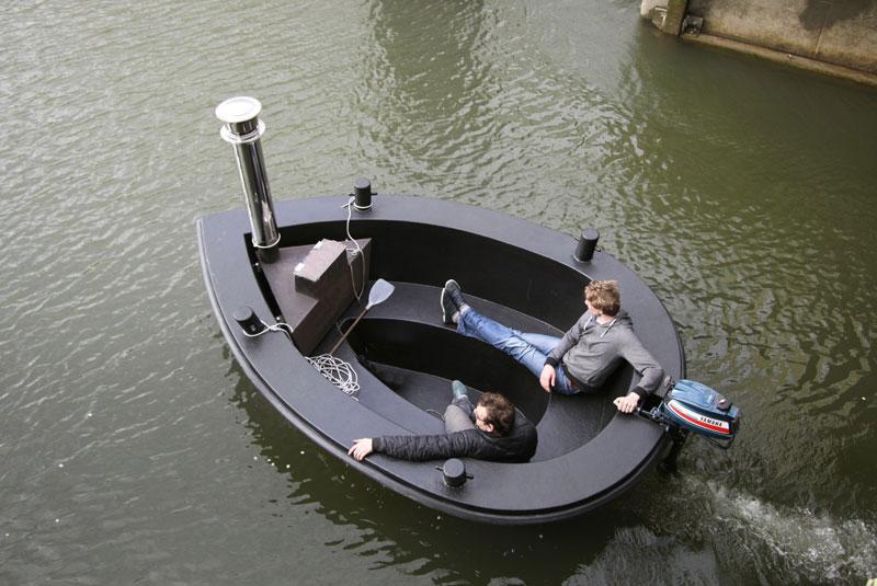 hot tub tug boat 1 Check Out This Hot Tub Tug Boat