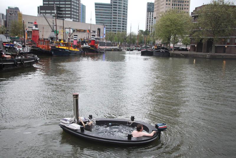 hot tub tug boat 3 Check Out This Hot Tub Tug Boat