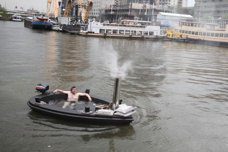hot tub tug boat 4 Check Out This Hot Tub Tug Boat