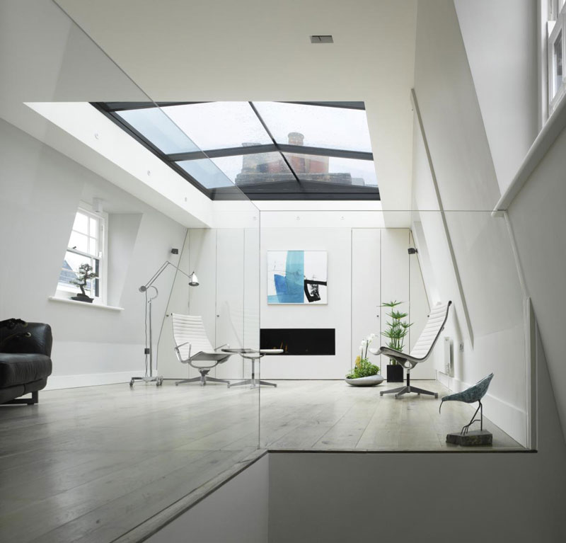 house with window for roof retractable ceiling chelsea london 9 House in London With a Retractable Glass Roof