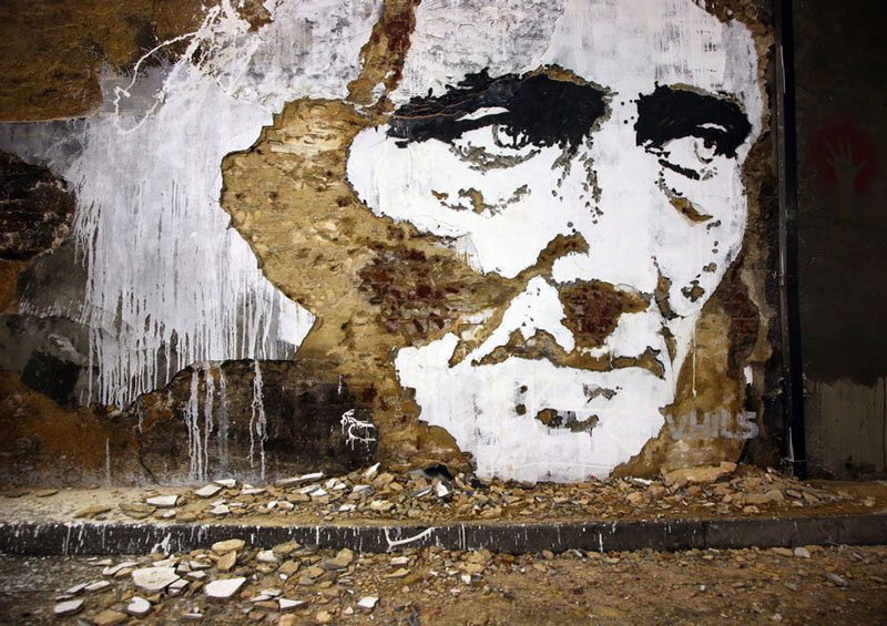 portraits chiseled into walls street art vhils alexandre farto 14 15 Street Art Portraits Chiseled Into Walls