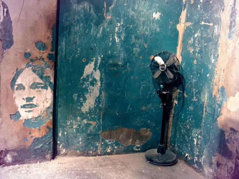 portraits chiseled into walls street art vhils alexandre farto 4 15 Street Art Portraits Chiseled Into Walls