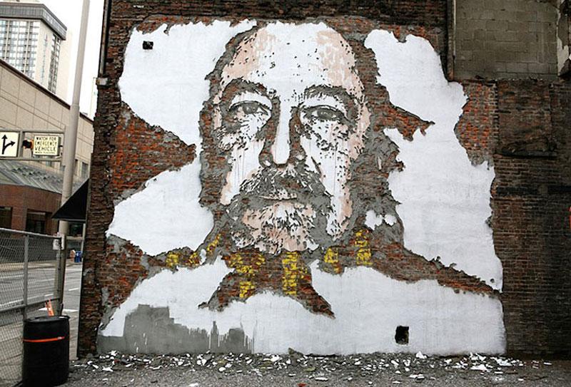 portraits chiseled into walls street art vhils alexandre farto 7 15 Street Art Portraits Chiseled Into Walls