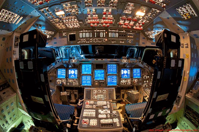 photo of the space-shuttle-Endeavour-cockpit-flight-deck