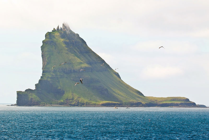 tindholmur islet faroe islands Picture of the Day: The Five Peaks of Tindholmur