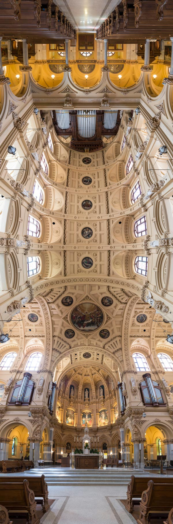 vertical panoramas of church ceilings 1 Hypnotic Views of the Sagrada Familia Ceiling by Clement Celma