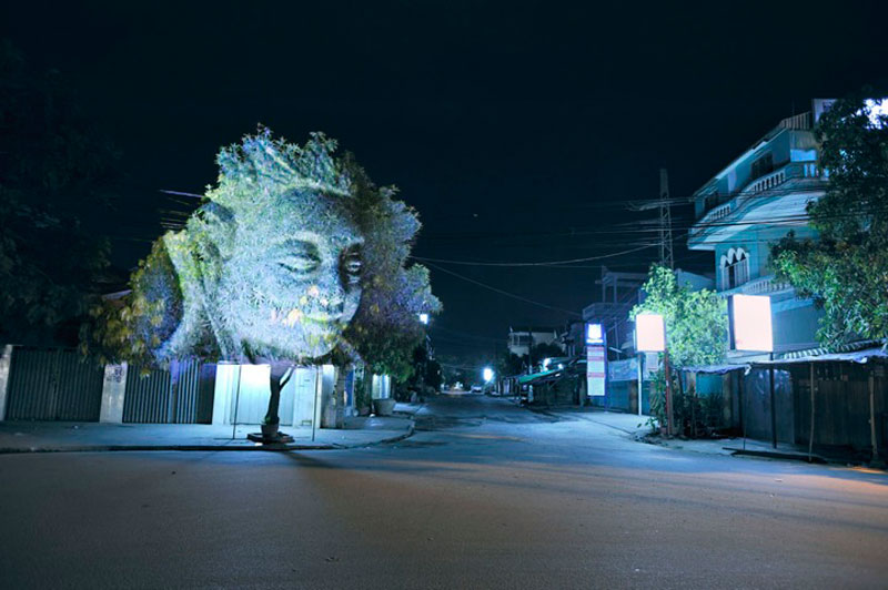 3d images projected onto trees clement briend 5 Haunting 3D Images Projected Onto Trees
