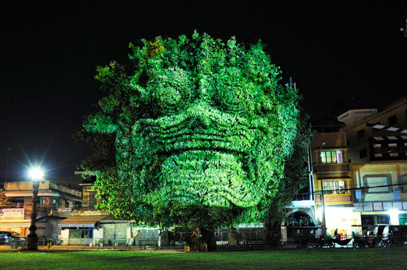 3d images projected onto trees clement briend 6 Haunting 3D Images Projected Onto Trees