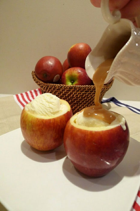 caramel and ice cream served inside apple bowl 12 Delicious Dishes Served Inside Other Foods