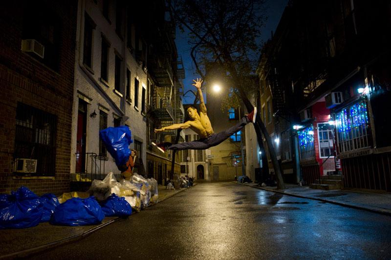 dancers among us minetta lane nyc alex wong The Dancers Among Us [21 Pics]
