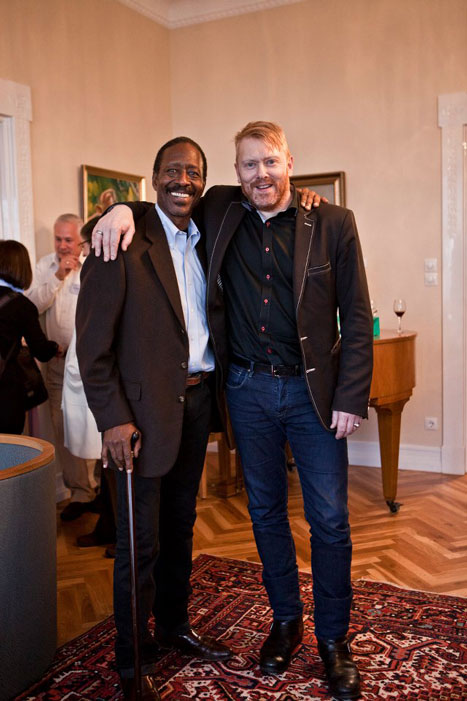 detective lester freamon the wire with mayor of reykjavic jon gnarr 12 Reasons Why Jon Gnarr is the Worlds Most Interesting Mayor