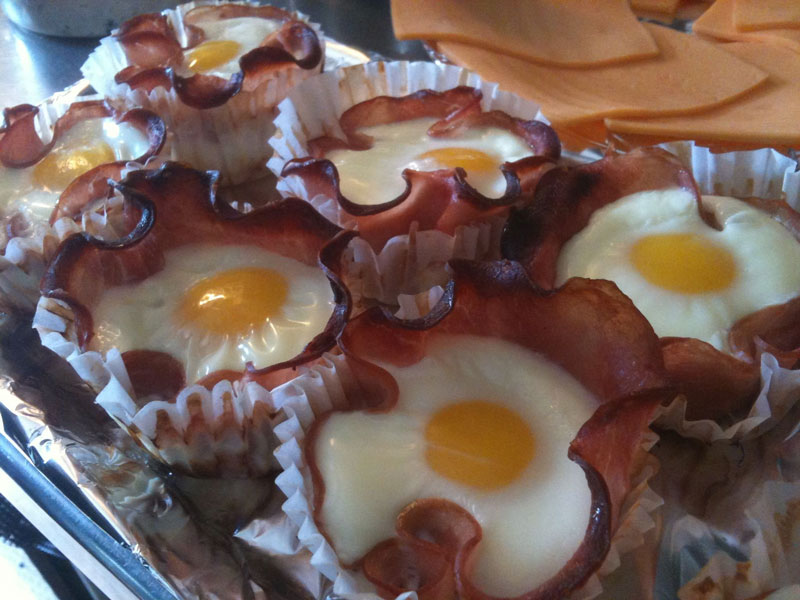 eggs cooked inside bacon cupcakes What 200 Calories of Various Foods Looks Like