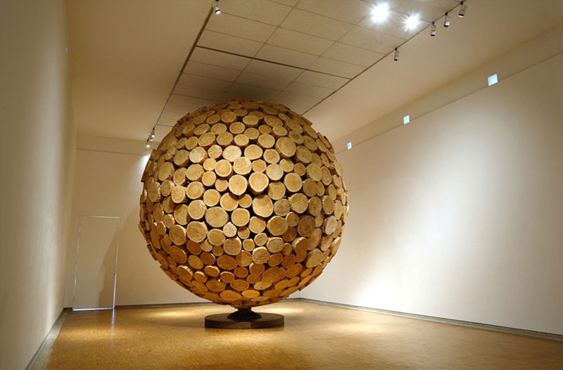 giant wooden spheres lee jae hyo sculptures 7 Colossal Wooden Spheres Made from Interlocking Wood