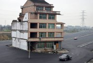 China Builds Highway Around House That Refuses to Move