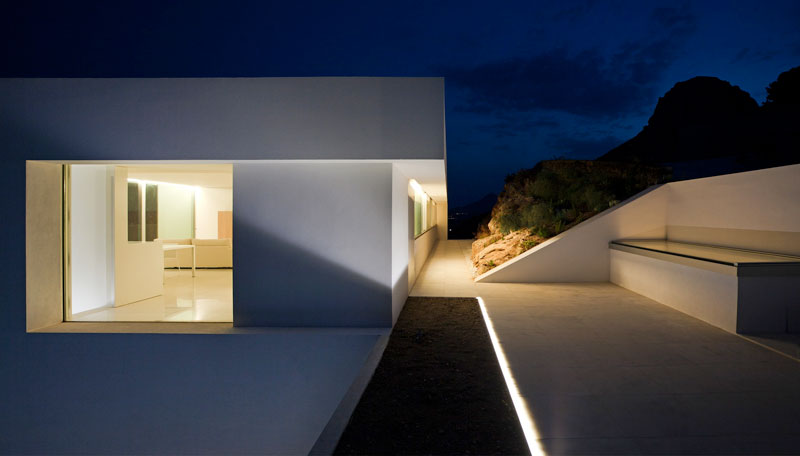 minimalist house on cliff fran silvestre arquitectos 10 A Cliffside Home Overlooking the Mediterranean