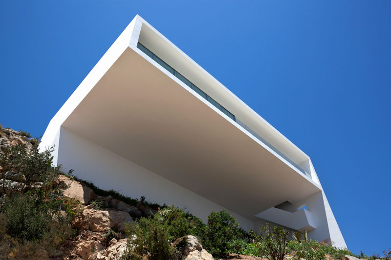 minimalist house on cliff fran silvestre arquitectos 12 A Cliffside Home Overlooking the Mediterranean