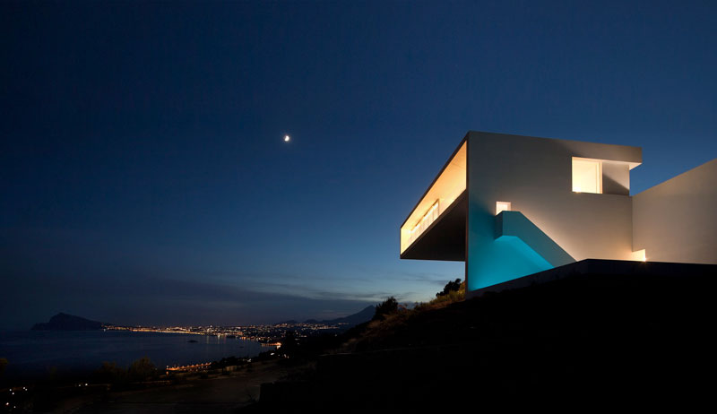 minimalist house on cliff fran silvestre arquitectos 15 A Cliffside Home Overlooking the Mediterranean
