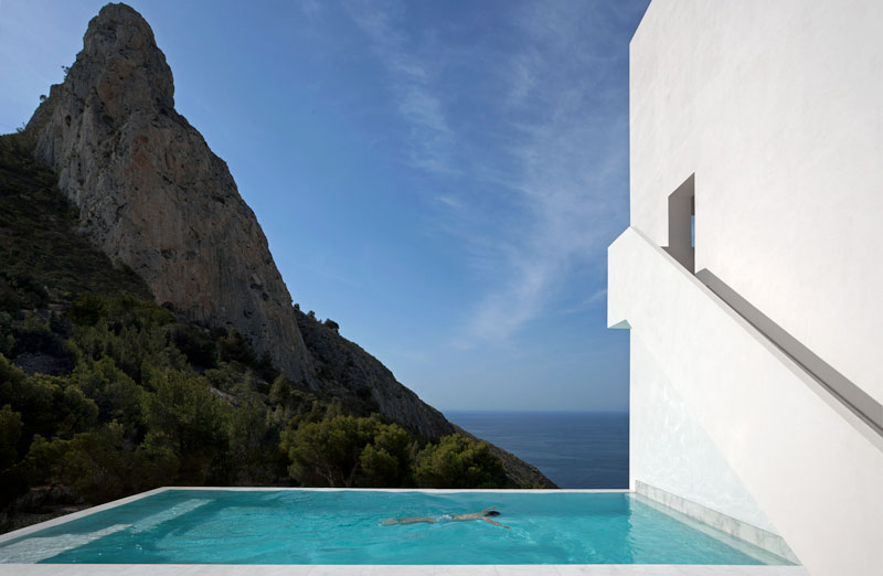 minimalist house on cliff fran silvestre arquitectos 16 A Cliffside Home Overlooking the Mediterranean