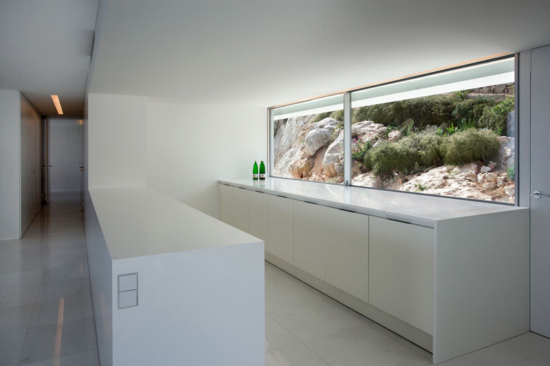 minimalist house on cliff fran silvestre arquitectos 19 A Cliffside Home Overlooking the Mediterranean