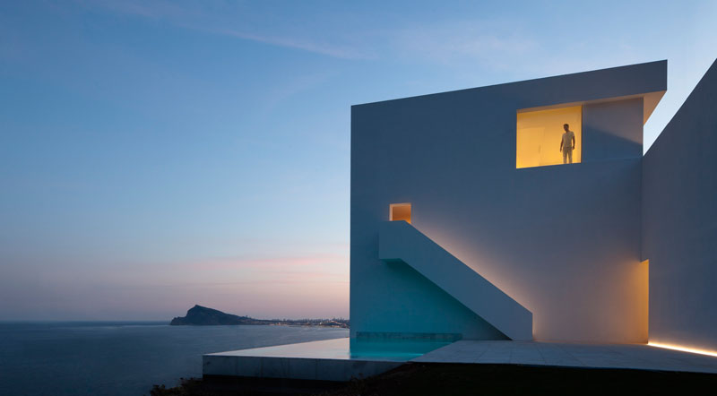 minimalist house on cliff fran silvestre arquitectos 4 A Cliffside Home Overlooking the Mediterranean