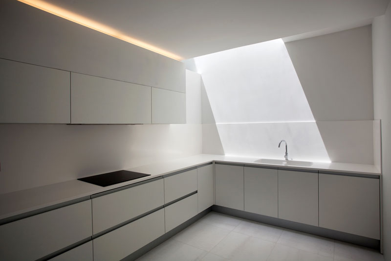 minimalist house on cliff fran silvestre arquitectos 5 A Cliffside Home Overlooking the Mediterranean