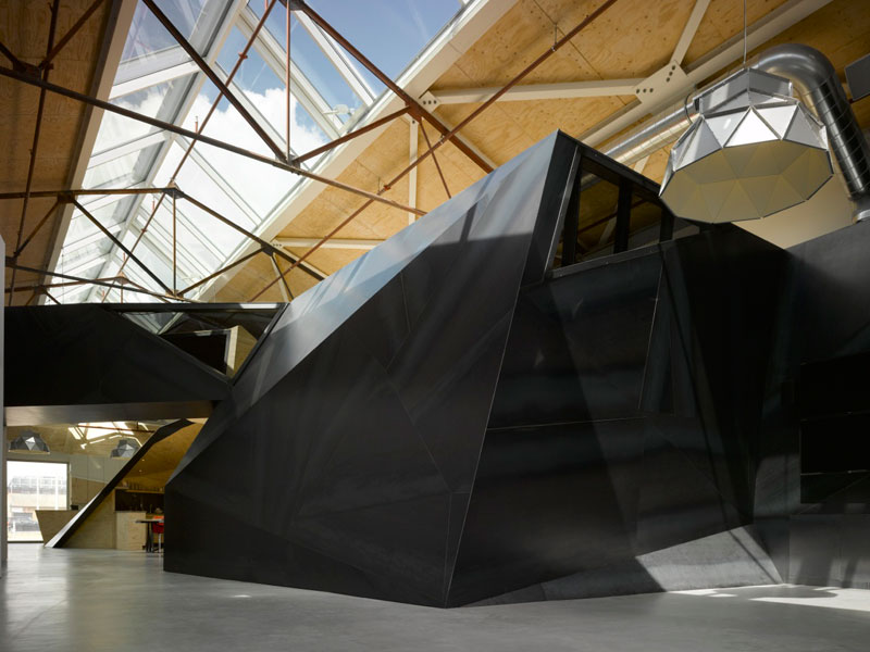red bull office amsterdam netherlands sid lee architecture 3 Red Bull Amsterdams Shipping Yard Office [25 pics]