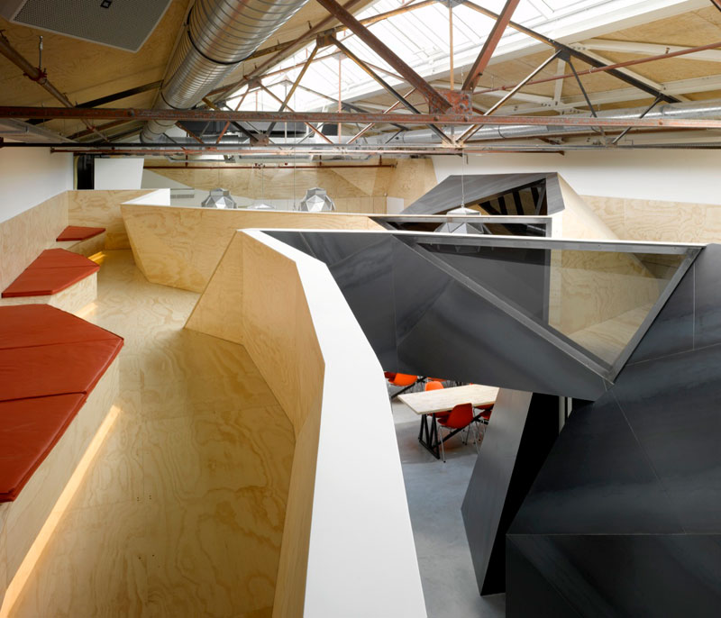 red bull office amsterdam netherlands sid lee architecture 6 Red Bull Amsterdams Shipping Yard Office [25 pics]