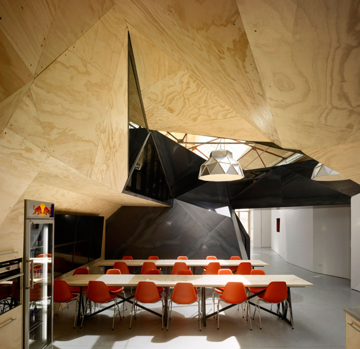 red bull office amsterdam netherlands sid lee architecture 7 Red Bull Amsterdams Shipping Yard Office [25 pics]