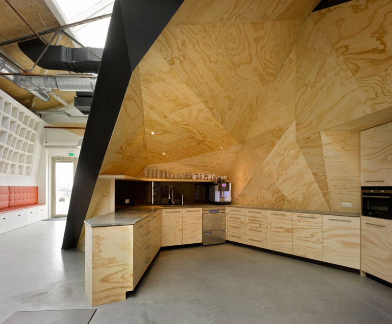 red bull office amsterdam netherlands sid lee architecture 8 Red Bull Amsterdams Shipping Yard Office [25 pics]