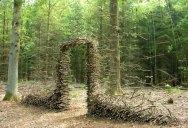 Gravity-Defying Sculptures by Cornelia Konrads