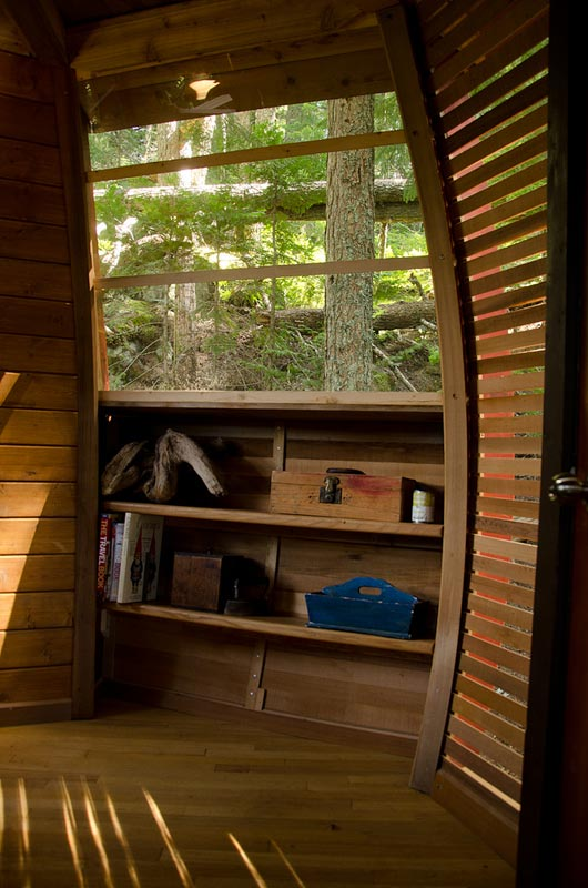 HemLoft secret treehouse hiding in the woods of whistler canada (5)