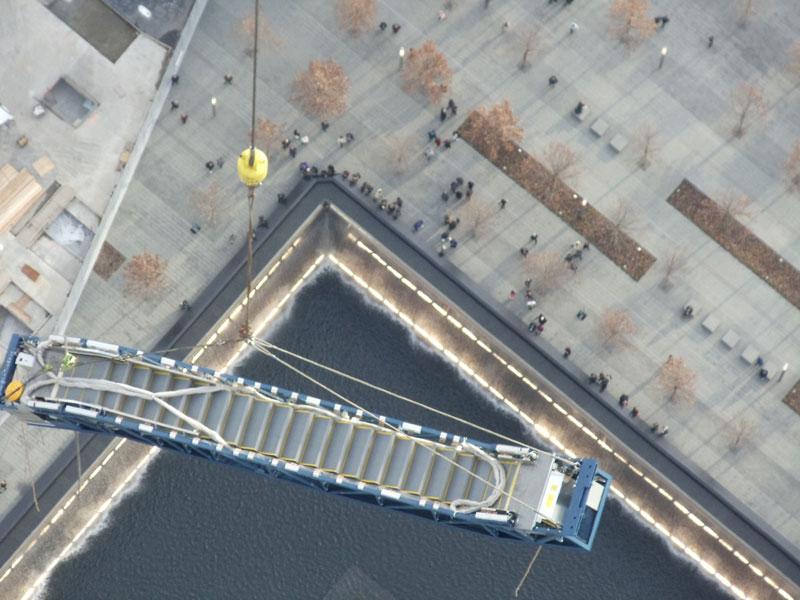 hoisting escaltor to 101st floor of one world trade center thyssenkrupp elevator (2)