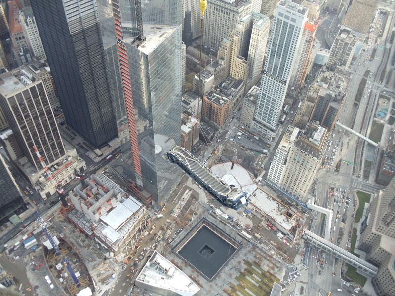 hoisting escaltor to 101st floor of one world trade center thyssenkrupp elevator (3)