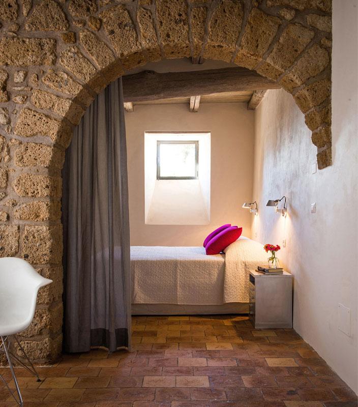 house with underground caverns domus civita studio f fradiani italy (4)