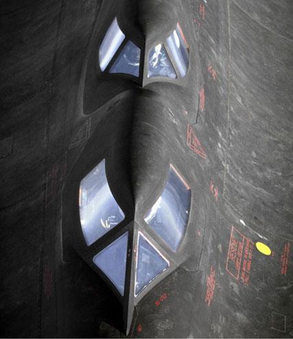 lockheed-SR-71-Blackbird-fastest-plane-in-the-world-(111)