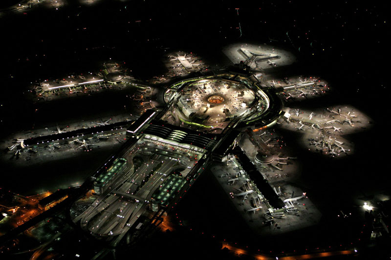 Picture of the Day: San Francisco Airport at Night