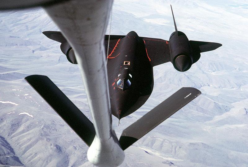 worlds fastest plane lockheed sr-71 blackbird (1)
