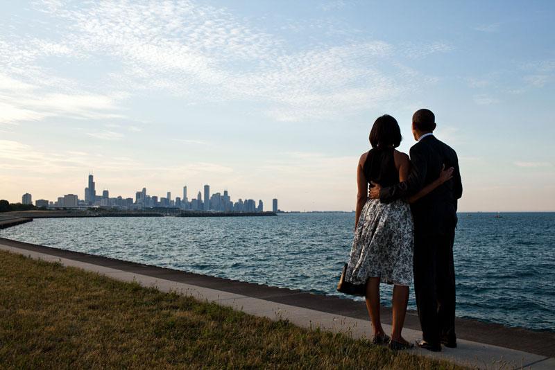 barack and michelle obama chicago skyline