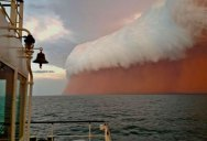 15 Ominous Photos of Dust Storms