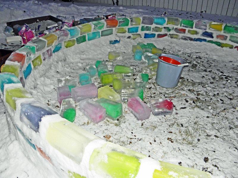 how to make rainbow colored igloo using milk cartons (4)