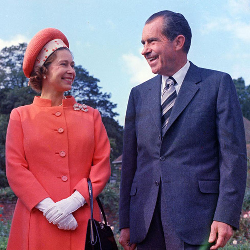 queen elizabeth richard nixon buckinghamshire 1970 Portraits of the Queen with the Last 12 U.S. Presidents