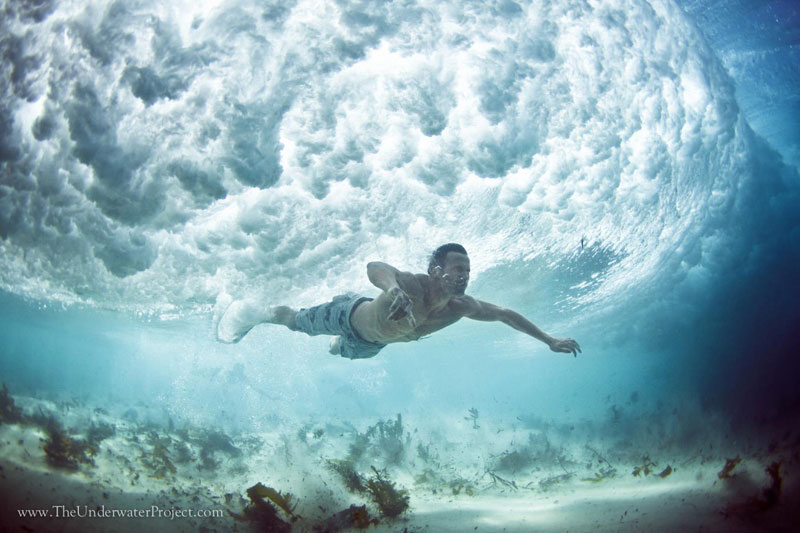 swimmers underwater by mark tipple underwater project (1)